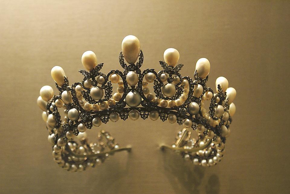 crown-1049927_960_720